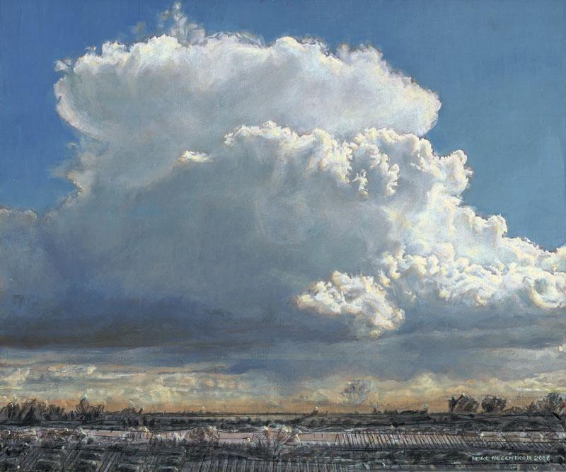 Eine Amosswolke thront vor ultramarinblauem Himmel über einer fragmentarisierten Landschaft.